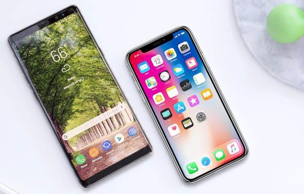 Galaxy S10 et l'iPhone X