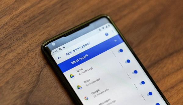 La vérification de notifications Android 9 Pie